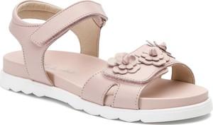 Różowe buty dziecięce letnie Naturino na rzepy