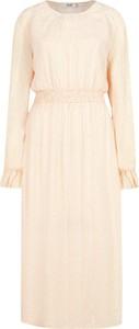 Sukienka NA-KD w stylu casual z długim rękawem