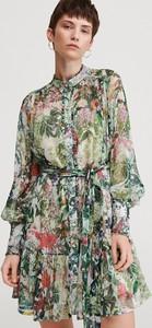 Sukienka Reserved w stylu casual z kołnierzykiem mini