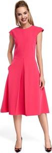 Różowa sukienka MOE midi z krótkim rękawem