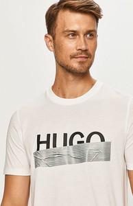 T-shirt Hugo Boss z bawełny z krótkim rękawem
