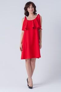 Czerwona sukienka butik-choice.pl z okrągłym dekoltem midi