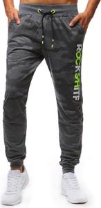 Czarne spodnie sportowe Dstreet z dresówki w street stylu