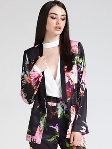 348e573ed1f06 Marynarki damskie z tkaniny Guess, kolekcja wiosna 2019