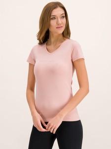Różowy t-shirt Emporio Armani z krótkim rękawem