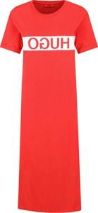 Sukienka Hugo Boss z krótkim rękawem w stylu casual z okrągłym dekoltem