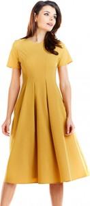 Sukienka Awama z krótkim rękawem midi z okrągłym dekoltem