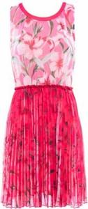 Różowa sukienka Luckylu mini