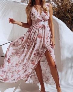 Sukienka Kendallme prosta maxi z dekoltem w kształcie litery v