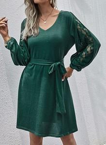 Zielona sukienka Cikelly z dekoltem w kształcie litery v z długim rękawem