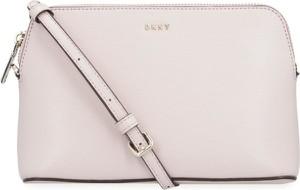 Różowa torebka DKNY mała na ramię ze skóry