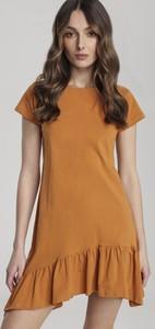 Brązowa sukienka Renee mini w stylu casual z krótkim rękawem