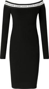 Czarna sukienka Guess Jeans hiszpanka w stylu casual z długim rękawem