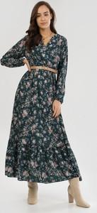 Zielona sukienka born2be maxi z długim rękawem