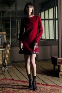 Czerwona sukienka JO-LI w stylu boho midi z wełny