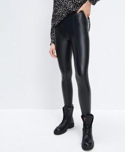 Czarne legginsy Mohito ze skóry