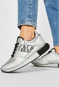 Srebrne buty sportowe Napapijri sznurowane z płaską podeszwą