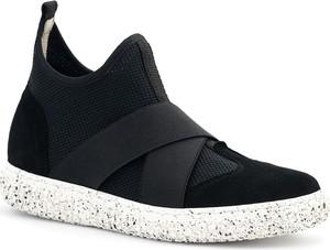 Czarne buty sportowe Neścior w sportowym stylu