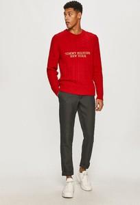 Czerwony sweter Tommy Hilfiger z bawełny