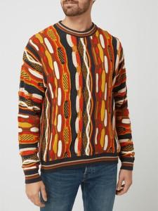 Sweter Review w młodzieżowym stylu