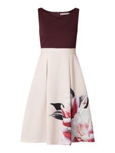 Sukienka Christian Berg Cocktail z dekoltem w kształcie litery v