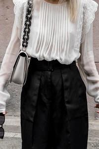 Bluzka Ivet.pl z długim rękawem z okrągłym dekoltem