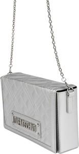 Srebrna torebka Love Moschino z aplikacjami na ramię pikowana