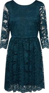 Niebieska sukienka Vero Moda z okrągłym dekoltem