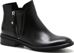 Czarne botki Venezia w stylu casual z płaską podeszwą