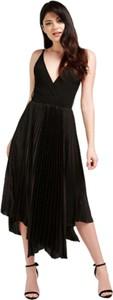 Czarna sukienka Guess na ramiączkach