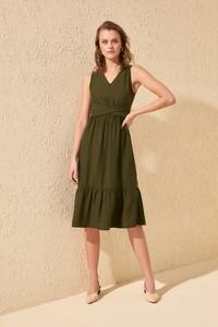 Zielona sukienka Trendyol midi