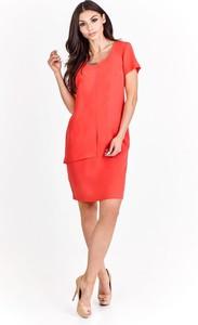 Czerwona sukienka Fokus z krótkim rękawem midi dopasowana