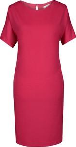 Czerwona sukienka Fokus z krótkim rękawem midi z dzianiny