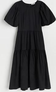 Czarna sukienka Reserved z krótkim rękawem w stylu casual