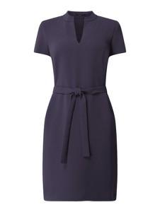 Granatowa sukienka Windsor z krótkim rękawem prosta w stylu casual