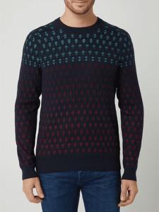 Granatowy sweter Hugo Boss w młodzieżowym stylu
