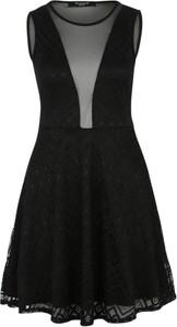 Czarna sukienka sisters point