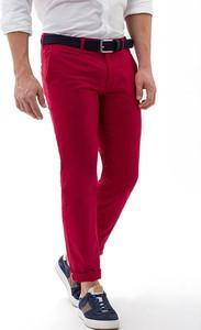 Czerwone chinosy Brax z lnu w stylu casual