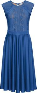Niebieska sukienka bonprix BODYFLIRT boutique z okrągłym dekoltem bez rękawów