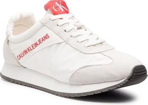 Sneakersy Calvin Klein w młodzieżowym stylu sznurowane na koturnie