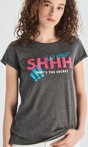 T-shirt Sinsay w młodzieżowym stylu z okrągłym dekoltem z bawełny