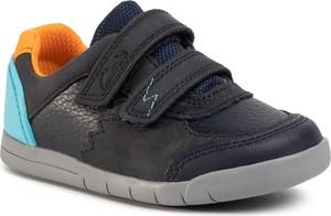 Granatowe buty sportowe dziecięce Clarks na rzepy