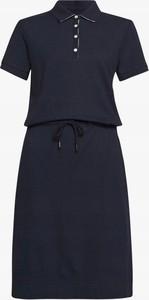 Granatowa sukienka Barbour mini z okrągłym dekoltem z krótkim rękawem