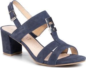 Sandały Caprice z klamrami na średnim obcasie