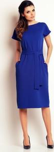 Niebieska sukienka Awama z okrągłym dekoltem