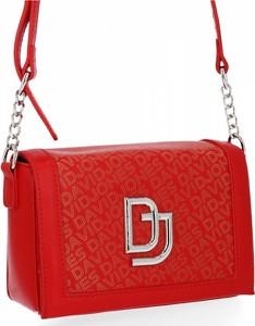 Czerwona torebka David Jones na ramię lakierowana w stylu glamour