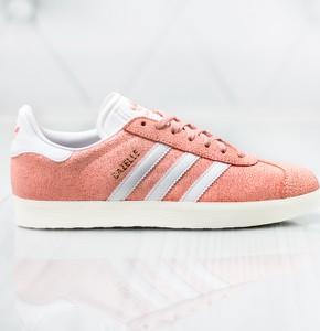 Różowe trampki Adidas niskie z płaską podeszwą w sportowym stylu