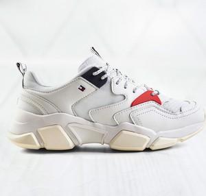 Sneakersy Tommy Hilfiger sznurowane