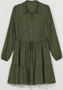 Zielona sukienka Mohito z kołnierzykiem