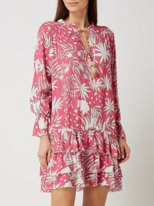 Różowa sukienka miss goodlife z długim rękawem